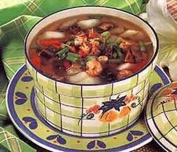 猪尾凤爪香菇汤